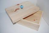 Brotkasten aus Zirbenholz mit Keramikknopf