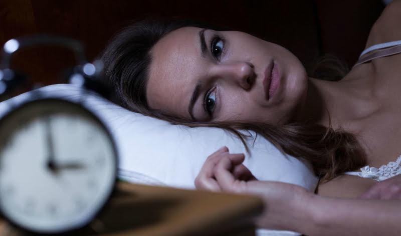 Bild zeigt schlaflose Frau