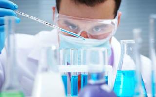 Wissenschafter in Labor