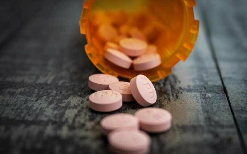 Medikamente in Behälter