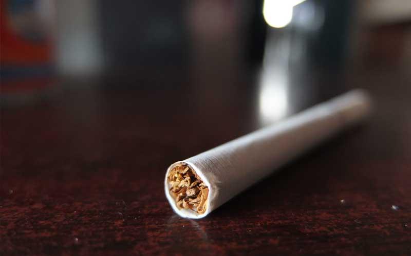Nahaufnahme einer Zigarette